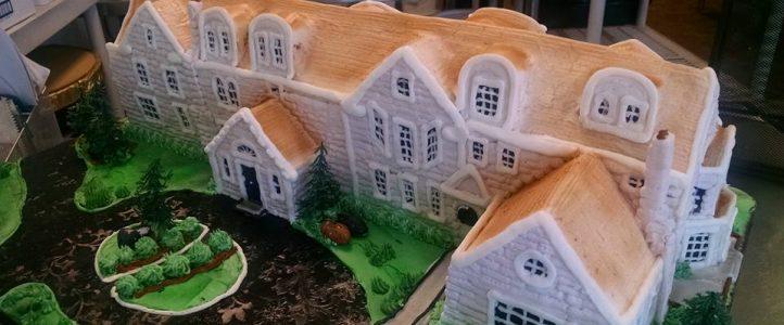 MMMMMMMMansion Cake!